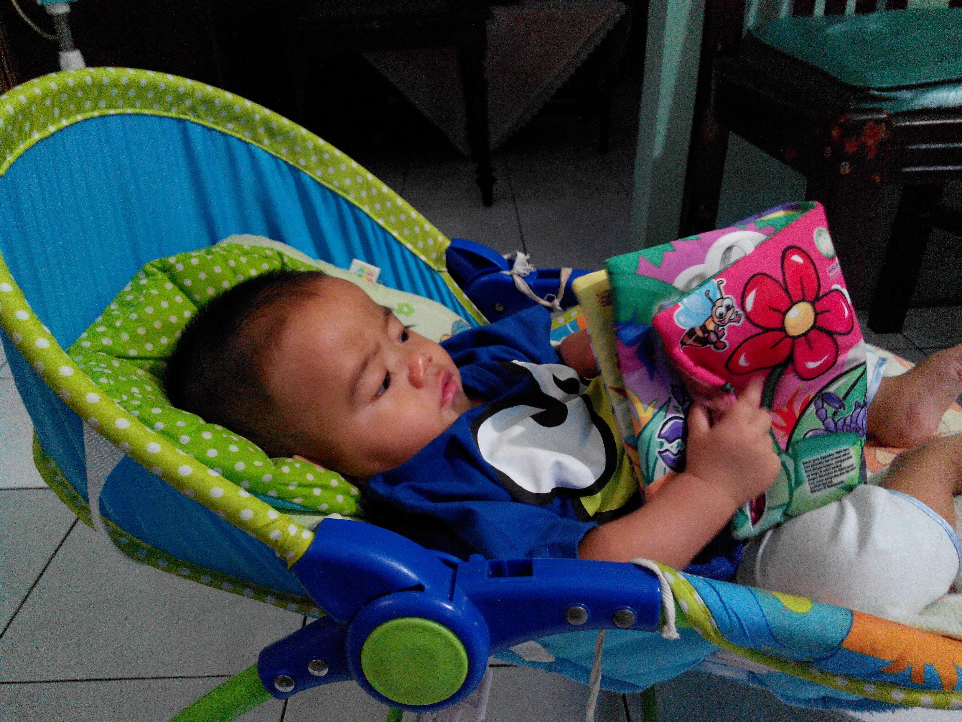KATALOG PRODUK Buku Bantal Belajar Bayi